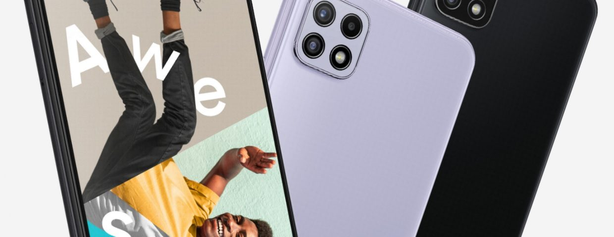 The Galaxy A22 front panel of the device uses a small Infinity-V notched screen at the top. If viewed directly at the bottom, you will obviously find the existence of a very large chin build. Honestly we say, this is the thing that makes the